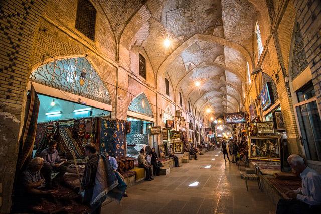 بازار وكيل شيراز
