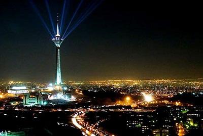 منظر برج ميلاد ليلا