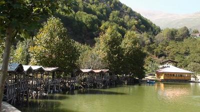 بحيرة قو في قرية جواهرده