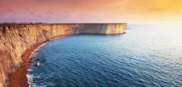 شواطئ صخریة