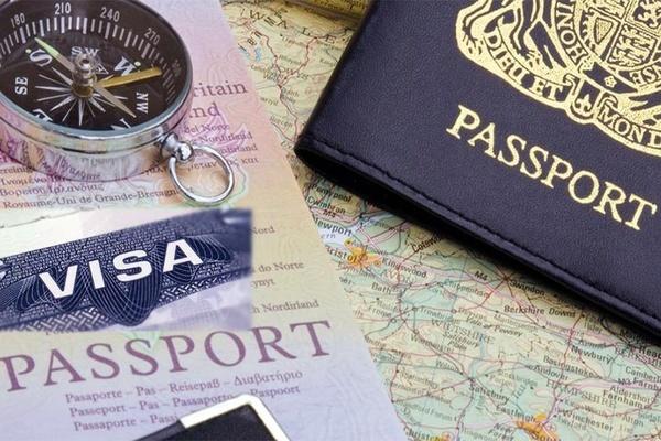 أخذ تأشيرة في المطار